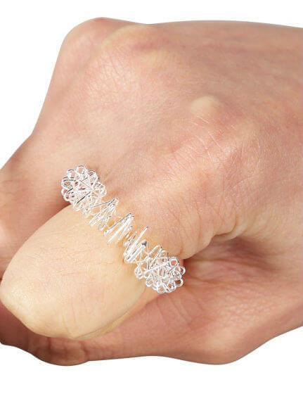 masažni prstan na roki